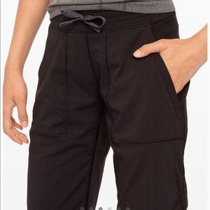Girls Ivivva/ Lululemon active pants size 12
